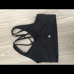 Black Lululemon sports bra